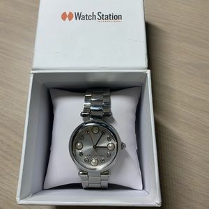 👑❤️SOLD❤️👑Marc Jacobs pearl and diamond watch
